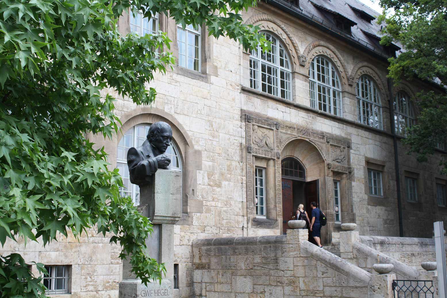 Hauptgebäude der Uni Jena.