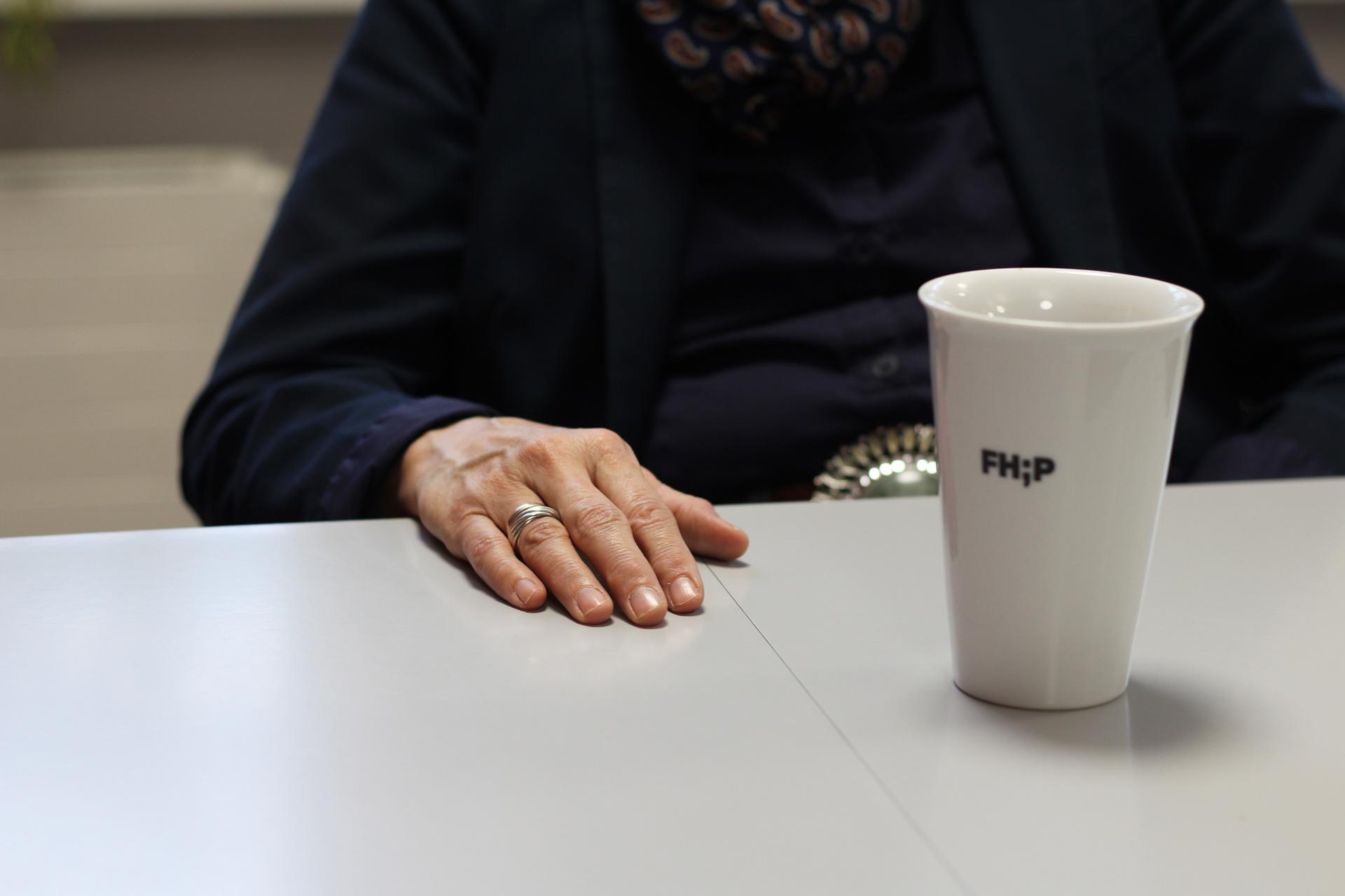 Tasse mit FHP-Logo
