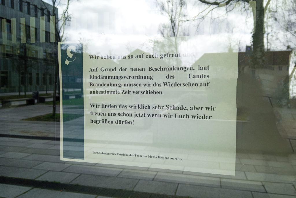 """""""Wir haben uns so auf euch gefreut und Auf Grund der neuen Beschränkungen, laut Eindämmungsverordnung des Landes Brandenburg, müssen wir das Wiedersehen auf unbestimmte Zeit verschieben. Wir finden das wirklich sehr Schade, aber wir freuen uns schon jetzt wenn wir euch wieder begrüßen dürfen!"""""""